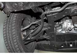 На наших дорогах наконечники рулевых тяг служат недолго – 30–40 тыс. км. Рычаги передней подвески способны выдержать пробег около 60 тыс. км.