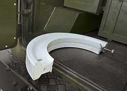 Полимерные вставки в шинах позволяют покинуть поле боя на простреленных колесах со скоростью 50 км/ч. Полуавтоматическая подкачка – опция.