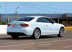 На автодроме купе на спортивной подвеске в своей стихии. Быстротой реакций можно управлять через Audi drive select, воздействующей на рулевое и электронный акселератор.