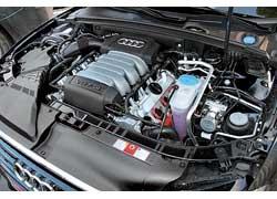 Атмосферный мотор объемом 3,2 литра (265 л. с.) пока самый мощный для A5 Sportback и «гражданской» А5, у которой есть 354-сильная «сестричка» S5. В Украине она, кстати, тоже продается.