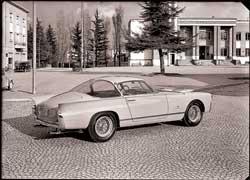 Большая часть из 34 изготовленных Ferrari 410 Superamerica имели кузов купе работы Pininfarina.