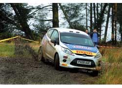 Главное сражение Ford проиграл, ноКрейг Брин подсластил пилюлю, добыв уже во второй гонке WRC победу для новой Fiesta R2.