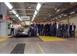 На заводе Skoda в Млада Болеславе началось полномасштабное серийное производство нового универсала Superb Combi.