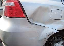 Современные лакокрасочные покрытия хорошо защищают металл от коррозии, но только до момента его повреждения.