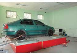 Покупатели в столице и пригороде на специальном стенде могут даже проверить мощностные характеристики двигателя.