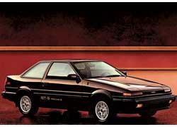 Оригинальные АЕ-86 выпускались с 1983 по1987 год в качестве купе (на фото) и хэтчбеков со «слепой» либо обычной оптикой.