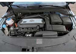 Благодаря турбине мотор Volkswagen даже при меньшем объеме развивает на 50 Нм больший крутящий момент.