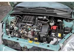 Все моторы Yaris отличаются хорошей топливной экономичностью ивысокой литровой мощностью, обеспечивая малолитражке вполне приличную динамику.