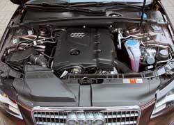 Двигатель 2,0 л оснащен непосредственным впрыском FSI и турбиной. Благодаря этому удалось достичь высокого значения крутящего момента в широком диапазоне оборотов иумеренного расхода топлива.