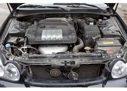 Двигатели Sonata более «объемные» – 2,0 и 2,7 л. Оба бензиновые и отличаются изрядным топливным «аппетитом».
