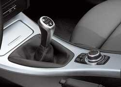 По сравнению с обычным BMW320d у версии EfficientDynamics Edition трансмиссия менее тяговая.