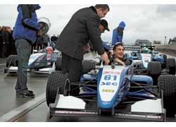 Президент Грузии Михаил Саакашвили с чемпионом Германии – украинцем Сергеем Чукановым и другим пилотом – финном Ессе Кроном два дня пилотировал болид Формулы-3.