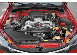 Под капотом Impreza Sport – фирменный «оппозитник» объемом 2,0 литра и5-ступенчатая «механика».