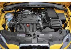 У Leon Sportwagen 2,0-литровый мотор снепосредственным впрыском FSI и6-ступенчатая МКП. Отличный тандем!