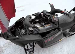 Под капотом – мощный 4-тактный двигатель с распределенным впрыском топлива.