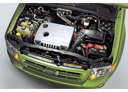Гибридный привод Escape состоит из 2,5-литрового (153л.с.) бензинового ДВС и 94-сильного электромотора.