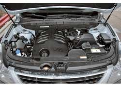 Hyundai Veracruz предлагал украинцам выбор моторов. Пока ix55 продается унас с 3,8-литровым (260 л. с. и 348 Нм) бензиновым V6. Дизель будет позже.