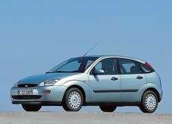 Первый Focus появился в1998году. Он был ярким представителем тогдашнего фирменного стиля Ford New Edge («Новая Грань»).