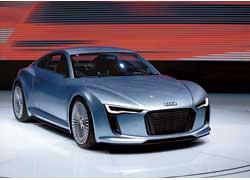 Два электромотора Audi e-tron развивают 204 л. с.