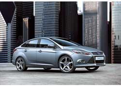 Ford Focus нового поколения дебютировал сразу в двух кузовах – седан ихэтчбек.