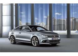 Volkswagen CC оснащен гибридным силовым агрегатом.