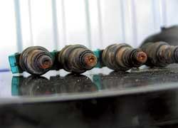 Форсунки «девятки», как и у всех впрысковых моторов, нуждаются в чисткекаждые 70–100тыс.км.
