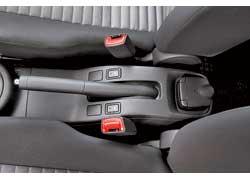 Подогрев передних сидений  – непременный и в зимнее время очень востребованный атрибут SX4.