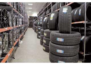 У владельцев зимних шин Nokian появилась возможность получить летние шины за полцены. В сети Vianor предлагается приобрести покрышки этого бренда, оплатив 50% их стоимости.