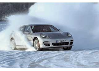 Спортивные авто требуют особого подхода зимой, когда ездить поснегу и льду совсем непросто.