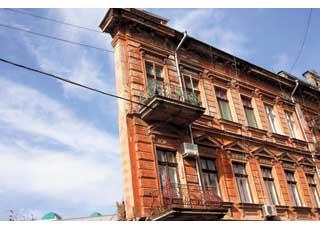 «Дом с одной стеной», или «Плоский дом» – одно из уникальных строений Одессы.