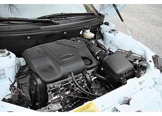 Бензиновый 1,6-литровый «восьмиклапанник» хорошо тянет снизких оборотов.