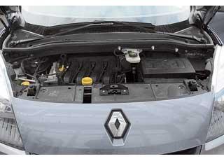 Не яростный, но тяговитый 1,6-литровый двигатель органичен всемейном авто.