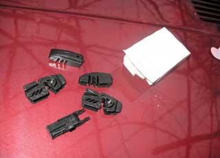 Многие производители комплектуют свои изделия набором переходников или универсальным адаптером.