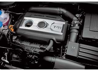 За счет соединения технологии непосредственного впрыска итурбонаддува мотор одновременно мощный, эластичный иэкономичный.