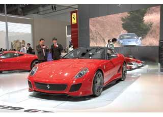 Ferrari 599 GTO получил 680-сильный 6,0-литровый мотор, позволяющий разгоняться до«сотни» за 3,35с, а «максималка» достигает 335 км/ч.