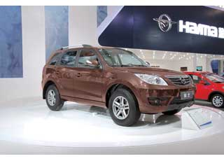 Haima7 – первый SUV марки – оснащен 150-сильным 2,0-литровым мотором и 5-ступенчатой «механикой».