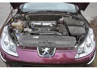 Наибольшее распространение унас получили бензиновые версии 407-го смоторами объемом 1,8 л и 2,0 л (нафото). Они надежны, а2,0-литровый – еще и экономичен.