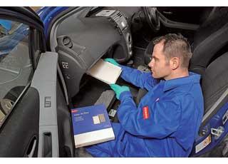 Салонный фильтр обычно рекомендуется менять не реже раза вгод или каждые 10–15тыс. км пробега.