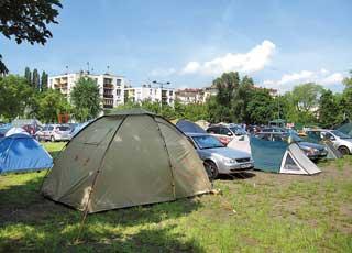 Кемпинг под Будапештом – огороженная забором территория с душем, стиральными машинами, кухней и даже Wi-Fi.