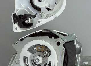 Инженеры корпорации TRW исправили ситуацию – они создали конструкцию самонастраивающегося ремня Self-Adaptive Load Limiter (SALL), которая имеет адаптирующийся к весу седока механизм.