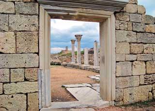Руины древнего Херсонеса – одно из наиболее посещаемых мест Севастополя.