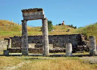 Это не Греция. Так выглядят остатки древнего Пантикапея в Керчи.