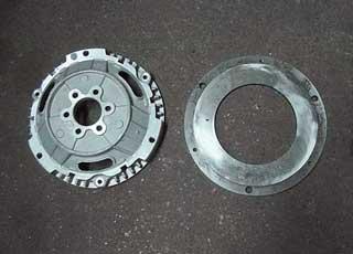 Передние тормозные диски  нередко деформируются, что вызывает ощутимую вибрацию при торможении.
