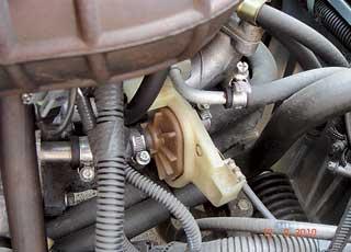 Кран отопителя часто заклинивает  водном из положений – либо для подачи холодного воздуха, либо горячего.