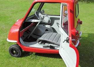 Британская компания Peel Engineering возрождает производство самых маленьких трехколесных автомобилей в мире – Peel P50 и Peel Trident.