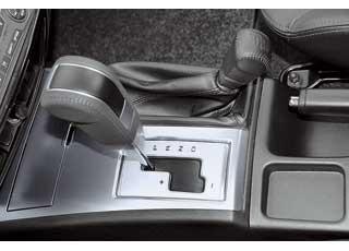 Если необходимо резко ускориться, здорово помогает ручной режим переключения 5-ступенчатой АКП.