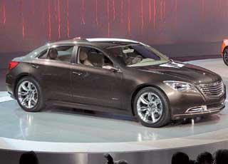 В оформлении передней части нового Chrysler 300C будут присутствовать мотивы концепта 200С, показанного в 2009 году вДетройте.