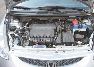 Под капотом всех Jazz, эксплуатирующихся в Украине, только один мотор– 1,4 л и одна КП– бесступенчатый вариатор. Обаагрегата беспроблемны.