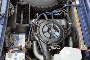Независимо от работоспособности бортовой зарядки, АКБ любого автомобиля желательно подзаряжать раз в полгода.