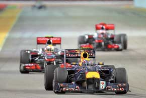 Red Bull опережает McLaren не только вэтой гонке, но и в чемпионате – причем чем дальше, тем больше...